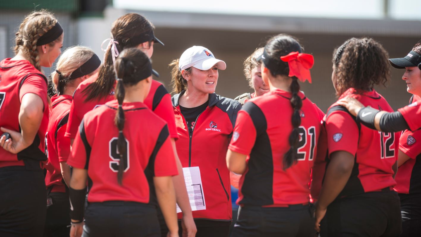 Softball Strengthens Key Areas with 2020 Recruiting Class - Ball